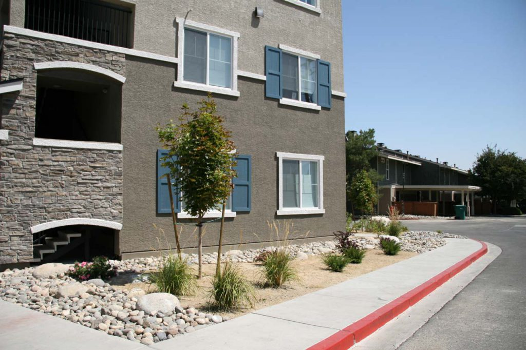 Apartment Complex Landscape Maintenance