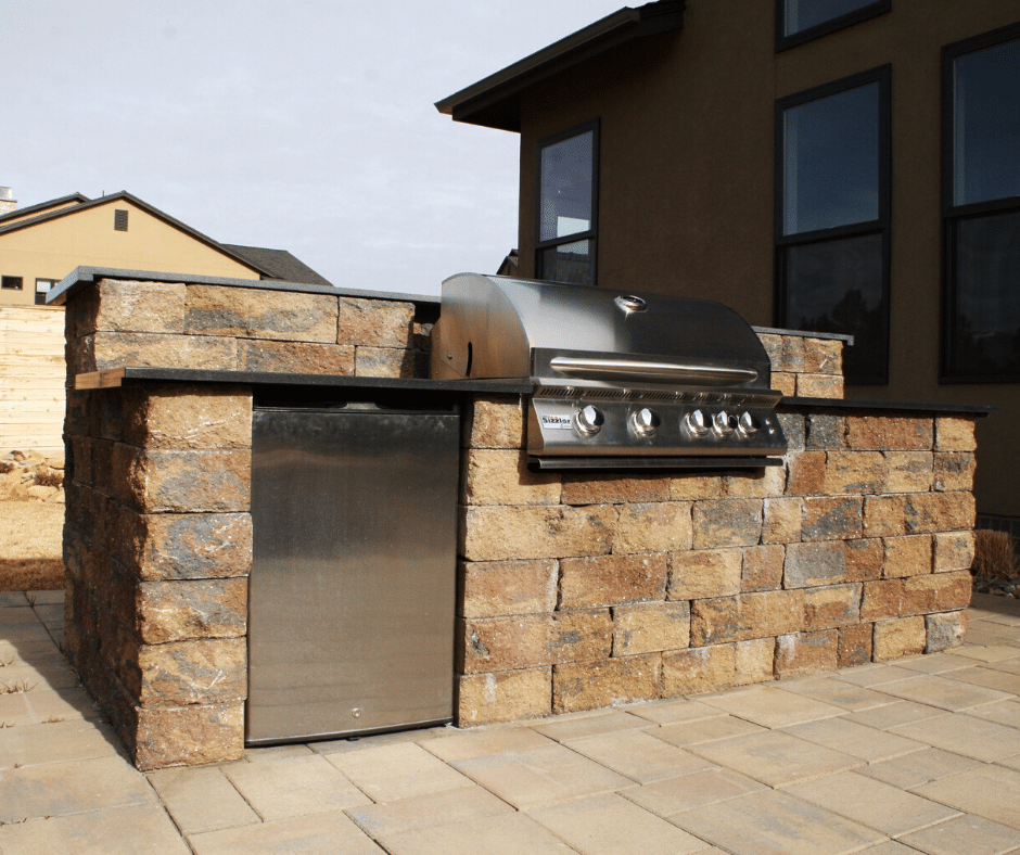 outdoor kitchen hardscaping