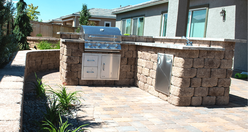 resort-style outdoor kitchen