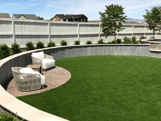 luxury backyard artificial turf