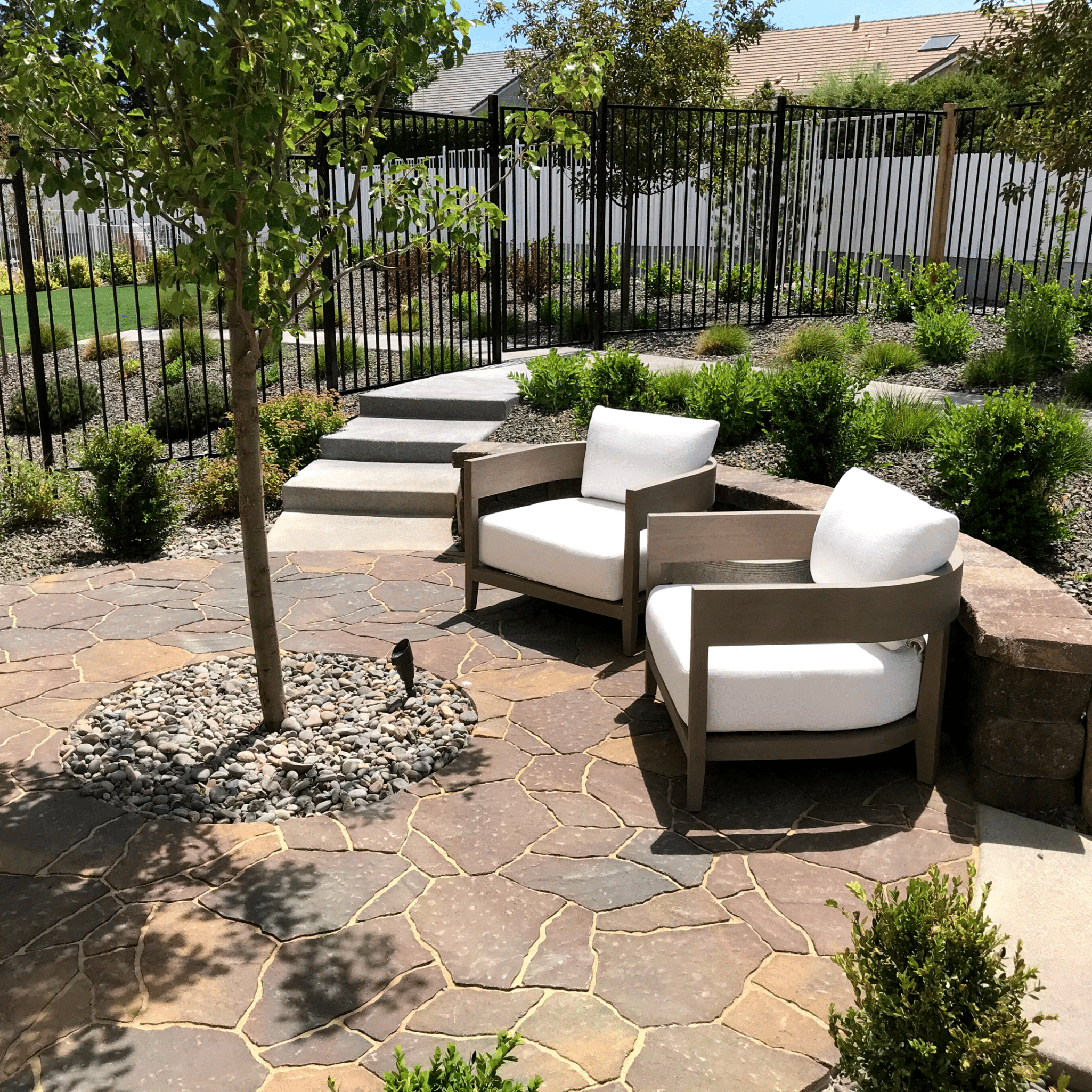 paver patio landscaping lounging