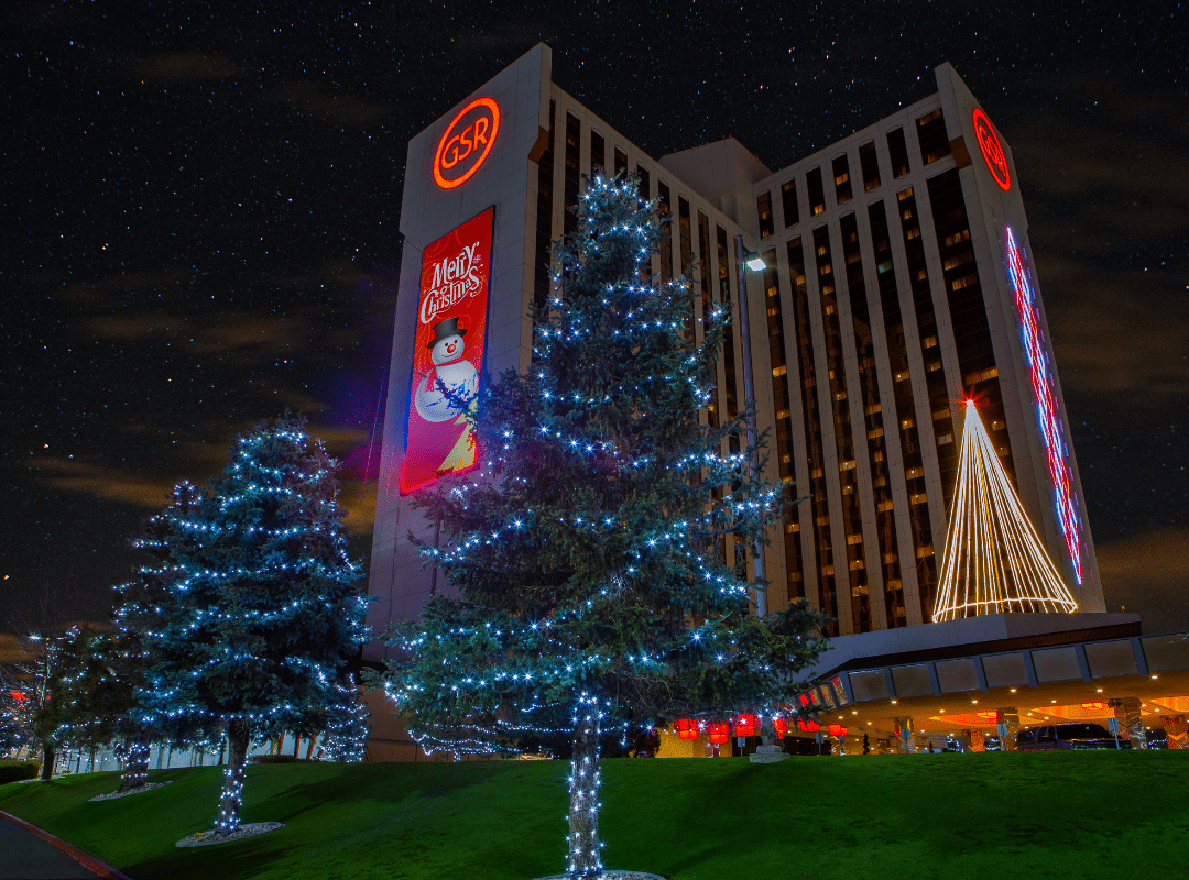 commercial holiday lighting